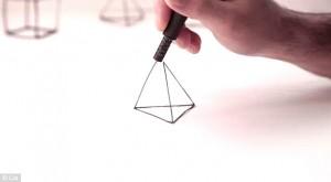 3d pen drawing a pyramid