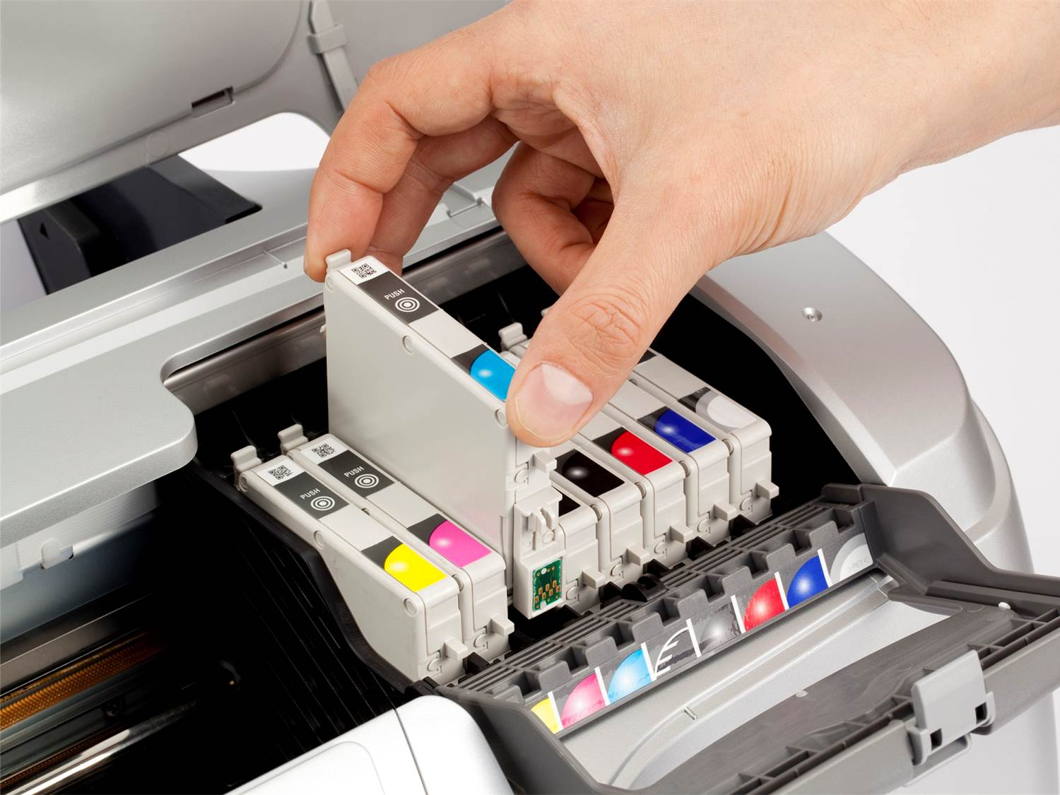 Installing an ink cartridge - TonerGiant